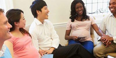 Couples attend pernatal class